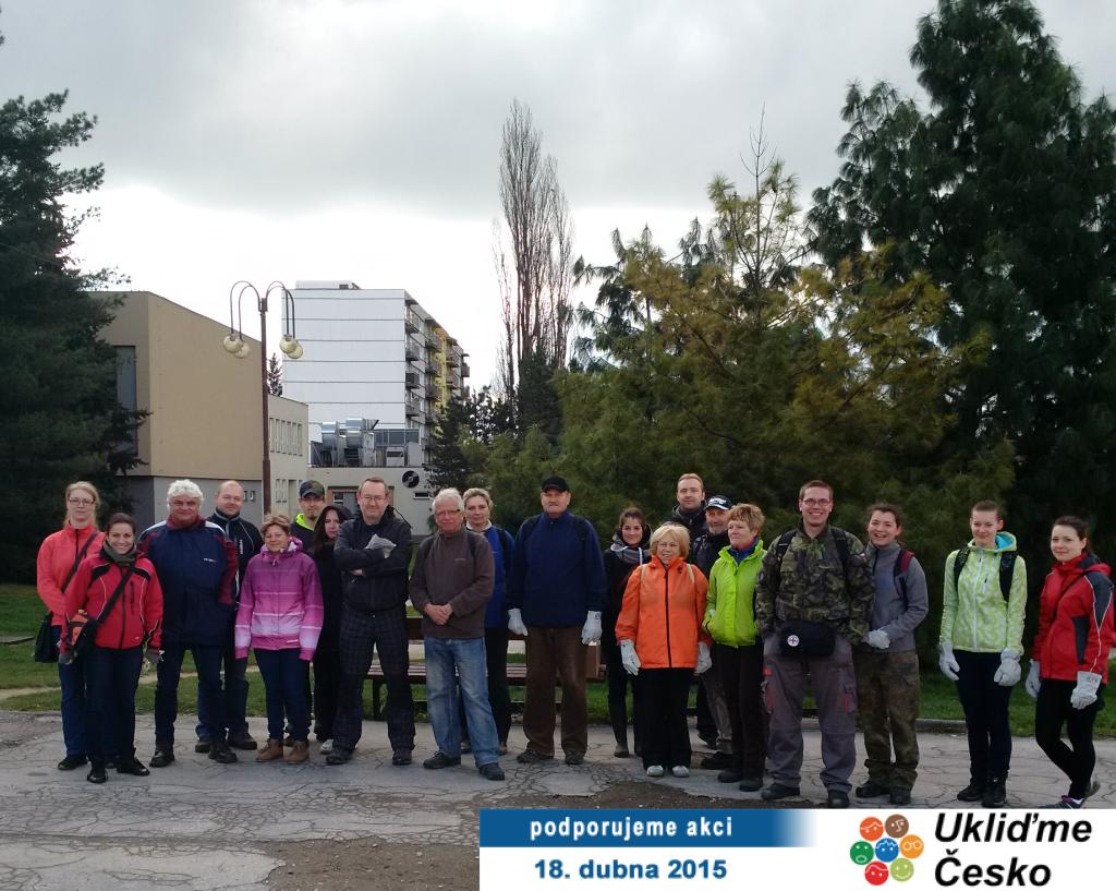 """Dobrovolníci II. ročníku ekologické akce """"Ukliďme Česko"""" v Orlové"""